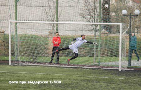 фотография футбола при выдержке 1/500